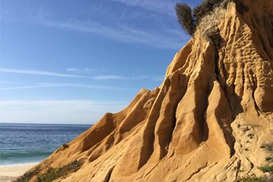 rocas-fondo-mar-el-entorno-Hotel-Nomade